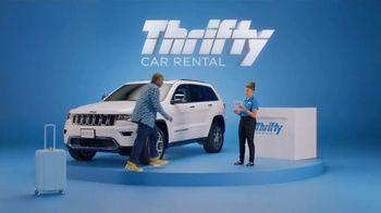 Thrifty Car Rental TV Spot, 'Goldi Locks III: Never Compromise' Featuring Kenan Thompson - Thumbnail 4