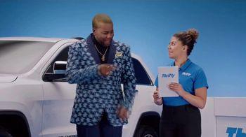 Thrifty Car Rental TV Spot, 'Goldi Locks III: Never Compromise' Featuring Kenan Thompson - Thumbnail 5