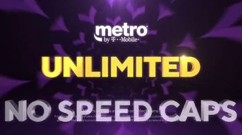 Metro by T-Mobile TV Spot, 'Free Phones' - Thumbnail 7