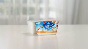 Almond Breeze Almondmilk Yogurt Alternative TV Spot, 'Cut: Granola' - Thumbnail 1