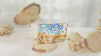 Almond Breeze Almondmilk Yogurt Alternative TV Spot, 'Cut: Granola' - Thumbnail 2