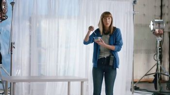 Almond Breeze Almondmilk Yogurt Alternative TV Spot, 'Cut: Granola' - Thumbnail 6