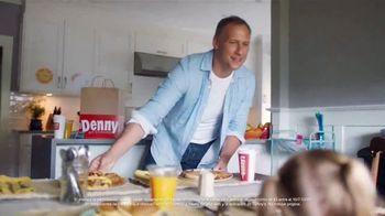 Denny's On Demand TV Spot, 'Entrega gratis' [Spanish] - Thumbnail 2