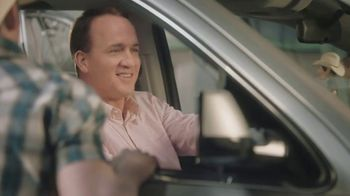 Nationwide Insurance TV Spot, 'Jingle Sessions: Bobbleheads' Featuring Peyton Manning, Brad Paisley - Thumbnail 7