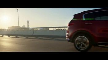 2020 Kia Sportage TV Spot, 'More Options, Standard' [T1] - Thumbnail 5