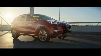 2020 Kia Sportage TV Spot, 'More Options, Standard' [T1] - Thumbnail 4