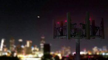 T-Mobile TV Spot, 'En casa o afuera, estamos contigo' canción de The Who [Spanish] - Thumbnail 7