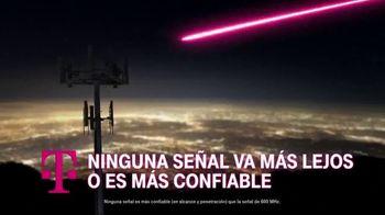 T-Mobile TV Spot, 'En casa o afuera, estamos contigo' canción de The Who [Spanish] - Thumbnail 8