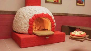 Play-Doh Kitchen Creations Stamp 'n Top Pizza TV Spot, 'Watch It Spin' - Thumbnail 1