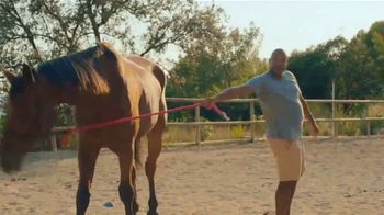 Airbnb Experiences TV Spot, 'Introducing Animals' Song by Doris Day - Thumbnail 8