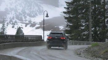 2019 Toyota Highlander TV Spot, 'Western Washington Road Trip' Feat. Danielle Demski, Ethan Erickson [T2] - Thumbnail 6