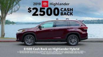 2019 Toyota Highlander TV Spot, 'Western Washington Road Trip' Feat. Danielle Demski, Ethan Erickson [T2] - Thumbnail 8