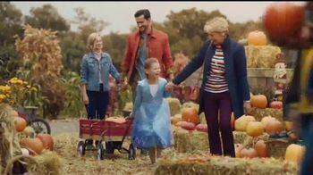 JCPenney TV Spot, 'Fall for You: Pumpkin Patch' - Thumbnail 3