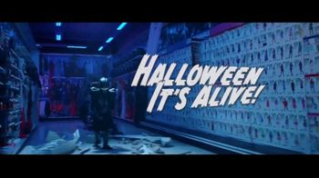 Party City TV Spot, 'Halloween: Costumes' Song by Wilson Pickett - Thumbnail 5