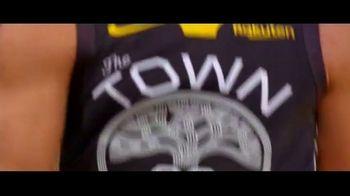 NBA League Pass TV Spot, 'Shout It: DIRECTV Offer for $39.99' Song by VideoHelper - Thumbnail 7