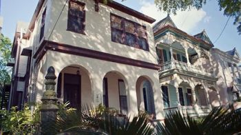 Airbnb TV Spot, 'Hosts: Damon & Marcus' - Thumbnail 7
