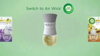 Air Wick Scented Oil Plug-In TV Spot, 'Fragrance That Lasts 60 Days' - Thumbnail 7