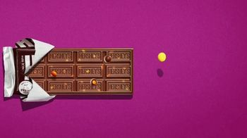 Hershey's Milk Chocolate Bar & Reese's Pieces Candy TV Spot, 'Red Rover' - Thumbnail 5