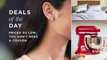 Macy's One Day Sale TV Spot, 'Deals of the Day: Jewelry, Small Appliances and Pillows' - Thumbnail 1