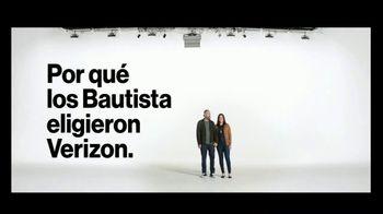 Verizon TV Spot, 'Susana y Randy: $650 dólares al cambiarte' [Spanish] - Thumbnail 4