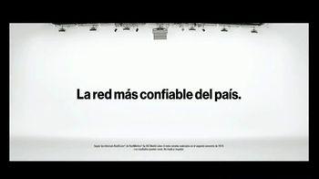 Verizon TV Spot, 'Susana y Randy: $650 dólares al cambiarte' [Spanish] - Thumbnail 6