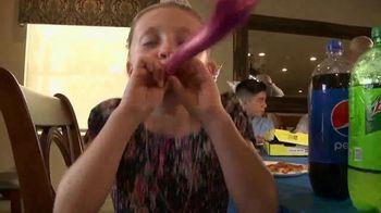 Hungry Howie's Summer Splash TV Spot, 'Make Them Better' - Thumbnail 4