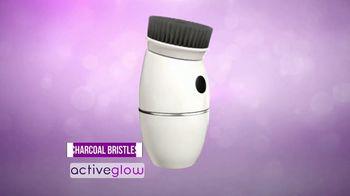 Active Glow TV Spot, 'Activated Charcoal Bristles' - Thumbnail 2