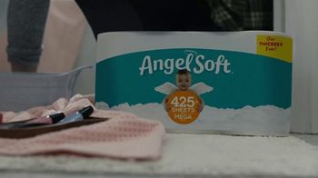Angel Soft TV Spot, 'Pedi' - Thumbnail 6