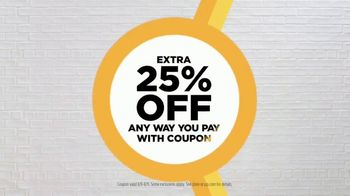 JCPenney The Bus Stops Here Sale TV Spot, 'Extra 25 Percent Off: Mini Skirts, Jeans and Bras' - Thumbnail 4