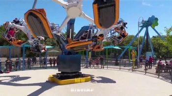 SeaWorld San Antonio Summer Sale TV Spot, 'Thrilling' - Thumbnail 2
