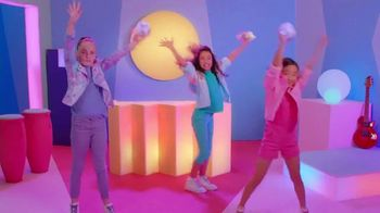 Pomsies Lumies TV Spot, 'Magic Colors' - Thumbnail 6