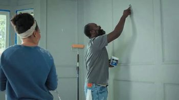 Lowe's TV Spot, 'Do It Right: Valspar Exterior Stain + Sealant' - Thumbnail 1