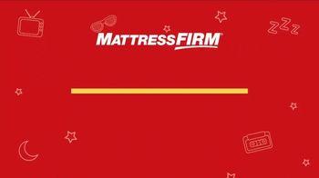 Mattress Firm Flashback Sale TV Spot, 'Throwback Deals: Free Adjustable Base' - Thumbnail 1
