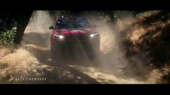 Summer of Jeep TV Spot, 'The Freedom to Do It All' Song by Jeremy Renner [T2] - Thumbnail 3