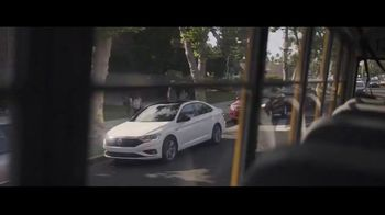 Volkswagen Drive Bigger Event TV Spot, 'Drop Off' [T1] - Thumbnail 1