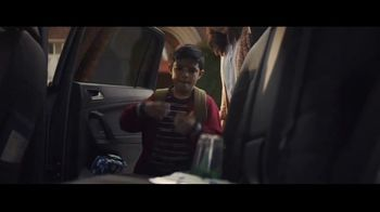 Volkswagen Drive Bigger Event TV Spot, 'Drop Off' [T1] - Thumbnail 6
