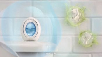 Febreze Small Spaces TV Spot, 'Tirar de la cadena' [Spanish] - Thumbnail 5