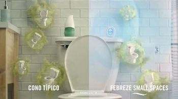 Febreze Small Spaces TV Spot, 'Tirar de la cadena' [Spanish] - Thumbnail 6