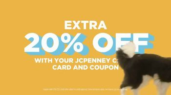 JCPenney TV Spot, 'Sun's Out: Sizzling Savings' - Thumbnail 7