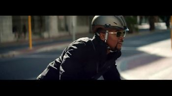 Transitions Optical TV Spot, 'Light Under Control: Meet Thomas' Song by Parov Stelar - Thumbnail 5