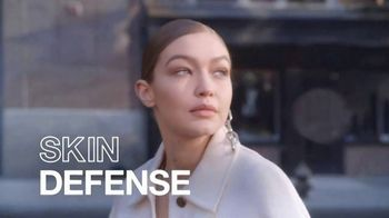 Maybelline New York Dream Urban Cover TV Spot, 'Flawless Skin Defense' - Thumbnail 8