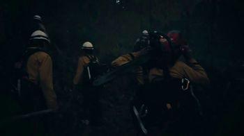 Modelo TV Spot, 'El espíritu luchador de Jon Hernández, bombero paracaidista' canción de Ennio Morricone [Spanish] - Thumbnail 5