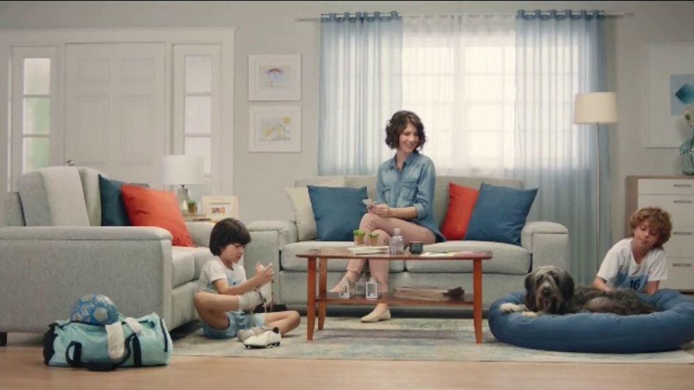 Febreze PLUG TV Commercial, 'Dos aromas complementarios'