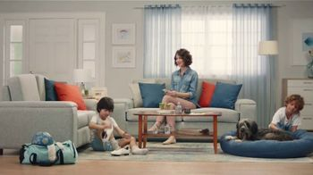 Febreze PLUG TV Spot, 'Dos aromas complementarios' [Spanish] - Thumbnail 3