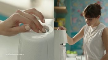 SodaStream TV Spot, 'Sparkle Your Day' - Thumbnail 3