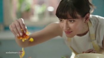 SodaStream TV Spot, 'Sparkle Your Day' - Thumbnail 4