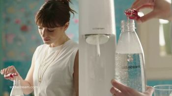SodaStream TV Spot, 'Sparkle Your Day' - Thumbnail 5