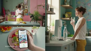 SodaStream TV Spot, 'Sparkle Your Day' - Thumbnail 8