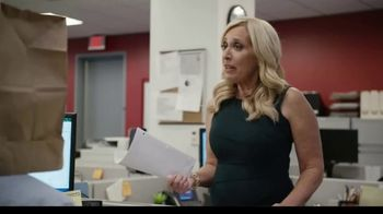 AARP Fraud Watch Network TV Spot, 'Bag Head' Featuring Kenny Mayne, Linda Cohn - Thumbnail 5