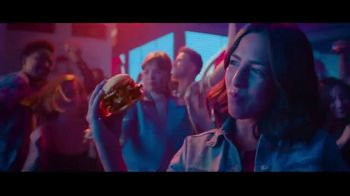 Wendy's Baconfest TV Spot, 'Llegó la fiesta del mejor Bacon' [Spanish] - Thumbnail 6